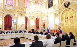 Президент РФ  призвал граждан и бизнес-структуры оказывать поддержку НКО